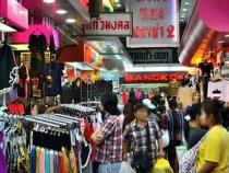 Trải nghiệm mua sắm tại Thái Lan khi săn vé máy bay đi Thái Lan giá rẻ.
