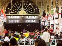 Đặt vé máy bay đi Singapore để đến khu chợ ẩm thực Lau Pa Sat