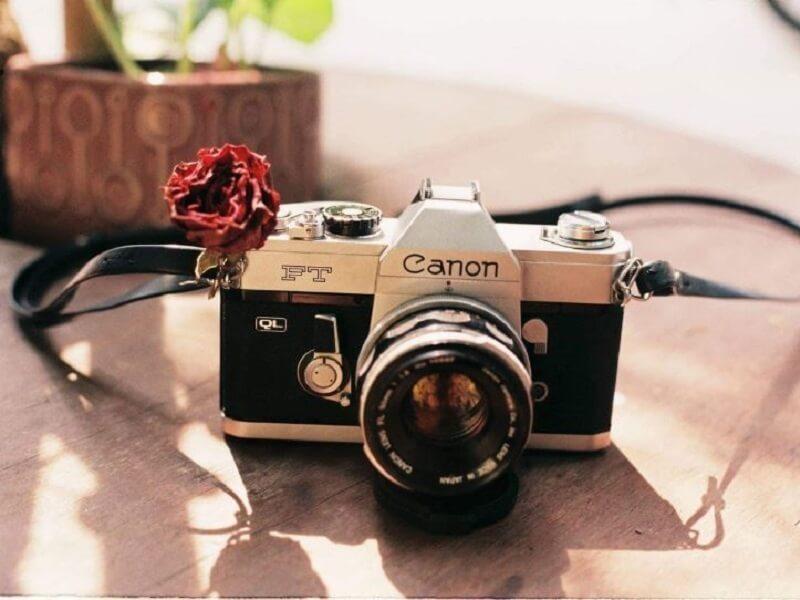 Máy ảnh film Canon