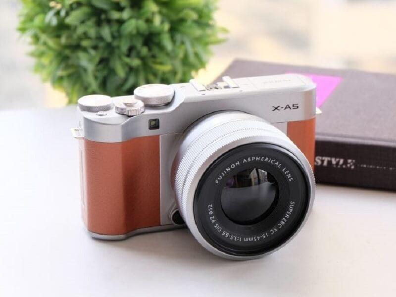 Mua máy ảnh film cũ chuyên nghiệp ở đâu?